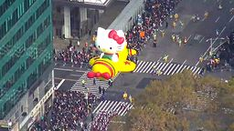 EarthCam: Thanksgiving Parade 2017 - Midtown View