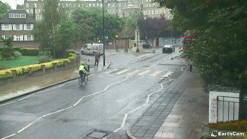 Man thanking cyclist for giving way!